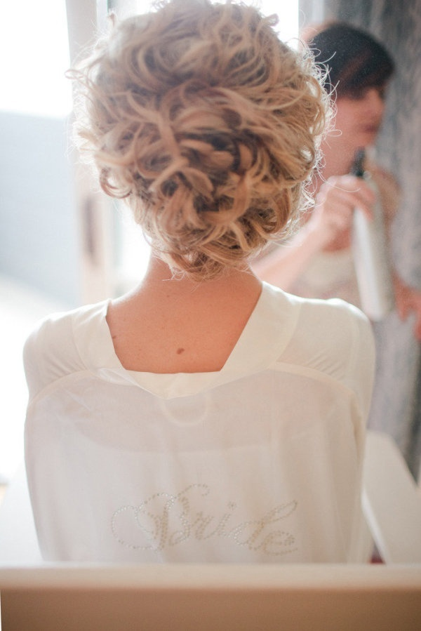 Naturally curly wedding hair