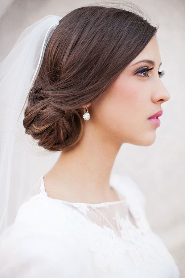 Side wedding hair with veil