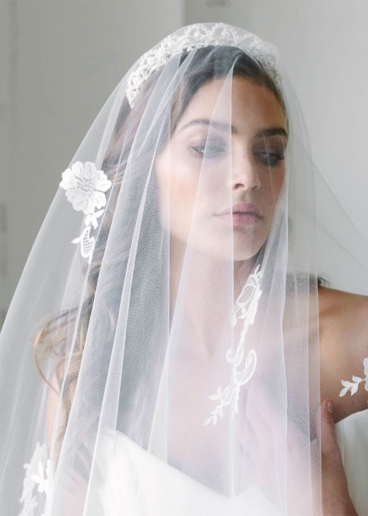The Finer Details | Our favourite romantic and modern wedding veils - EMMIE chapel length veil with lace 5