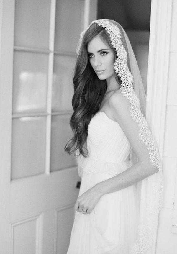 Top 8 wedding hairstyles for bridal veils side swept wedding hair for wedding veils 2 junglespirit Choice Image