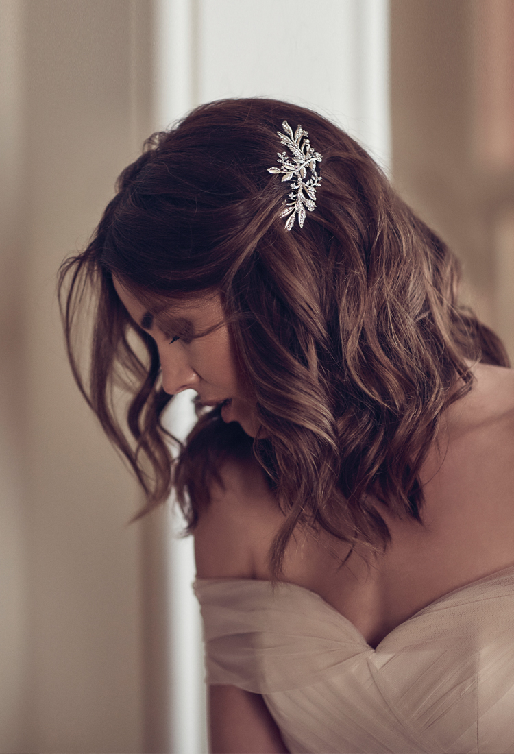 Swept Away | 7 delicate wedding hair combs for side swept hair