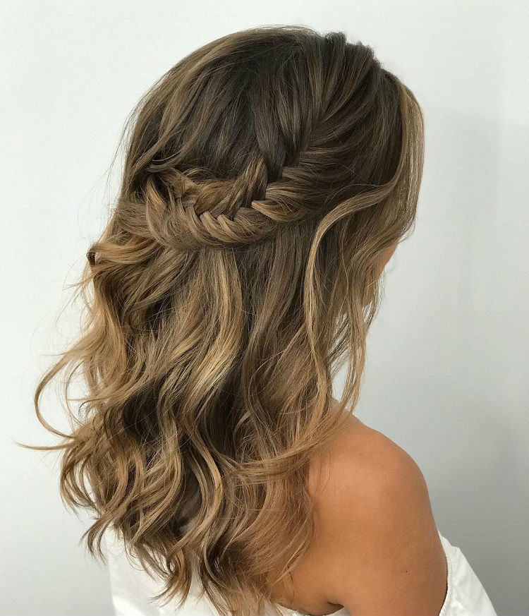 2018 wedding hair trends the ultimate wedding hair styles of 2018 2018 wedding hair trends the ultimate wedding hair styles of 2018 junglespirit Image collections