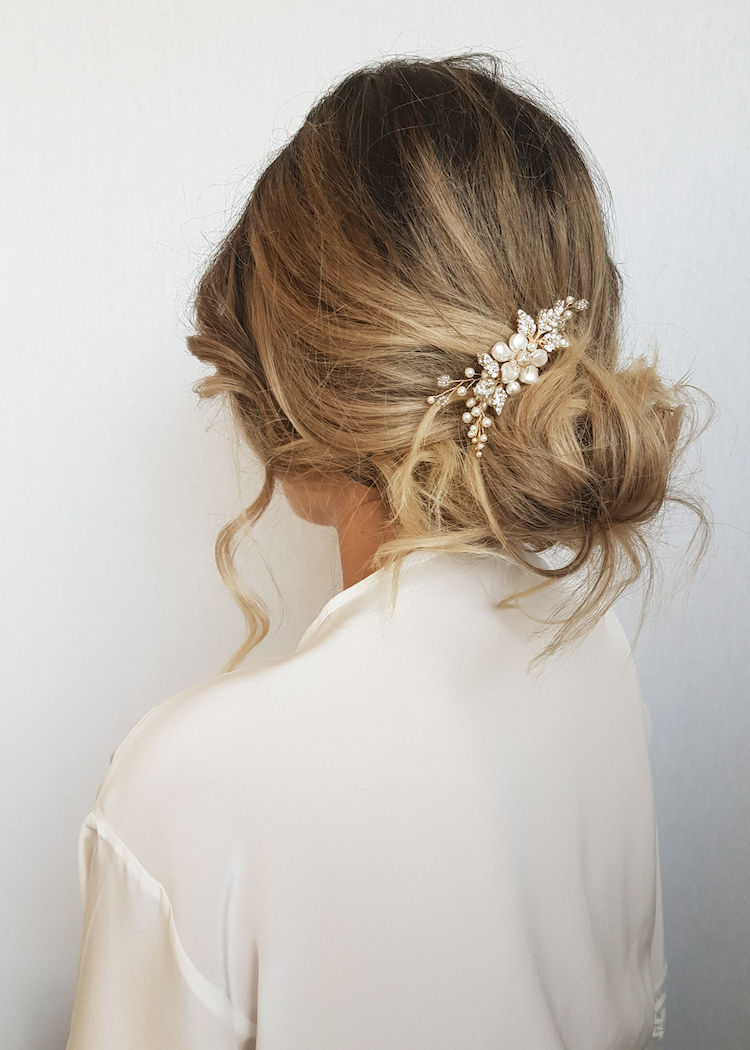 Delicate bridal hair pins for the modern bride_ARIES bridal hair comb 3