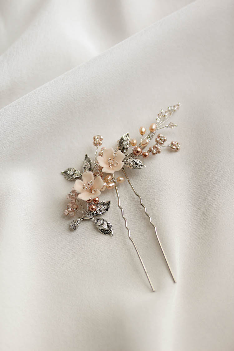 Delicate bridal hair pins for the modern bride_TEAROSE blush wedding hair pin 3