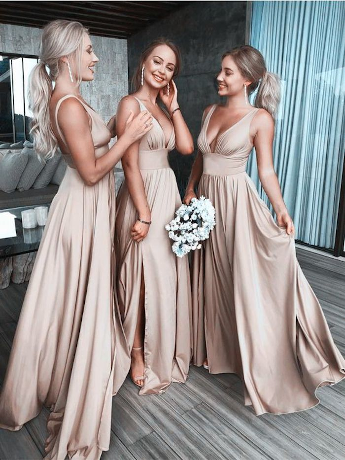 Bridesmaids hairstyles_wavy ponytails 1