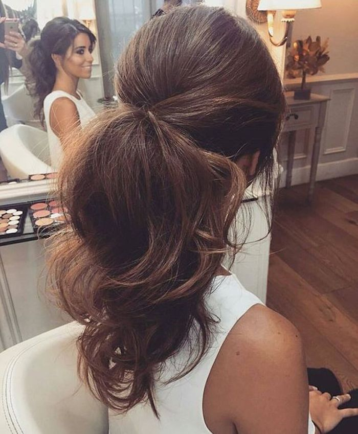 Bridesmaids hairstyles_wavy ponytails 3