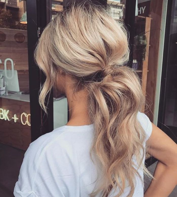 Bridesmaids hairstyles_wavy ponytails 4