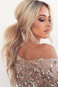 Bridesmaids hairstyles_wavy ponytails 5