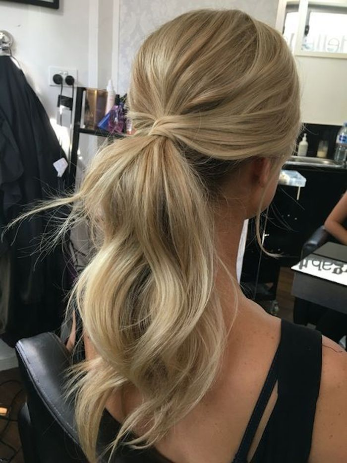 Bridesmaids hairstyles_wavy ponytails 6