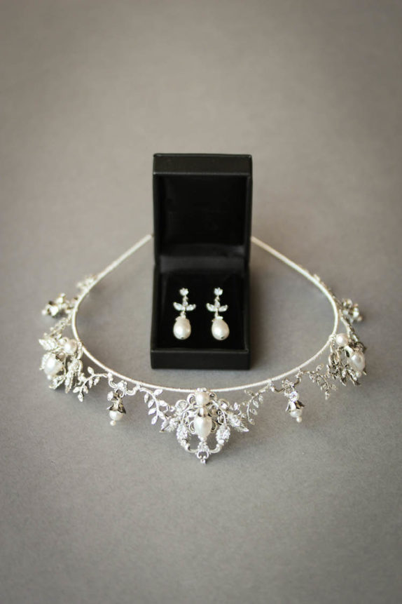 Regal romance_silver wedding tiara with pearls 5