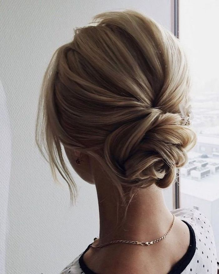 EASY UPDOS_Simple and stunning wedding hairstyles you'll love 14