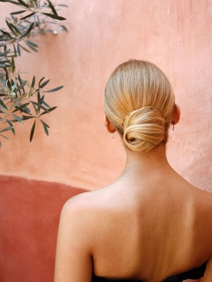EASY UPDOS_Simple and stunning wedding hairstyles you'll love 4