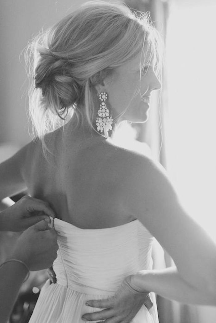 LOOSE UPDOS_Simple and stunning wedding hairstyles you'll love 12