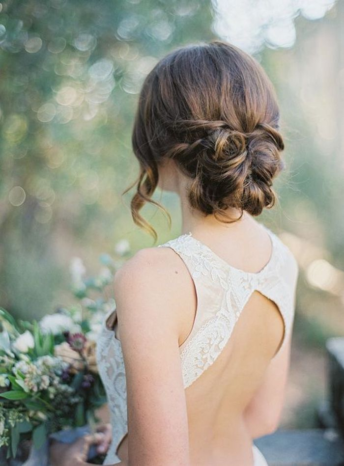 LOOSE UPDOS_Simple and stunning wedding hairstyles you'll love 14