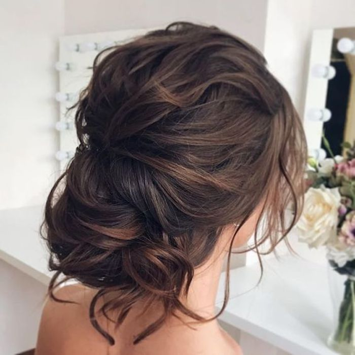 LOOSE UPDOS_Simple and stunning wedding hairstyles you'll love 8