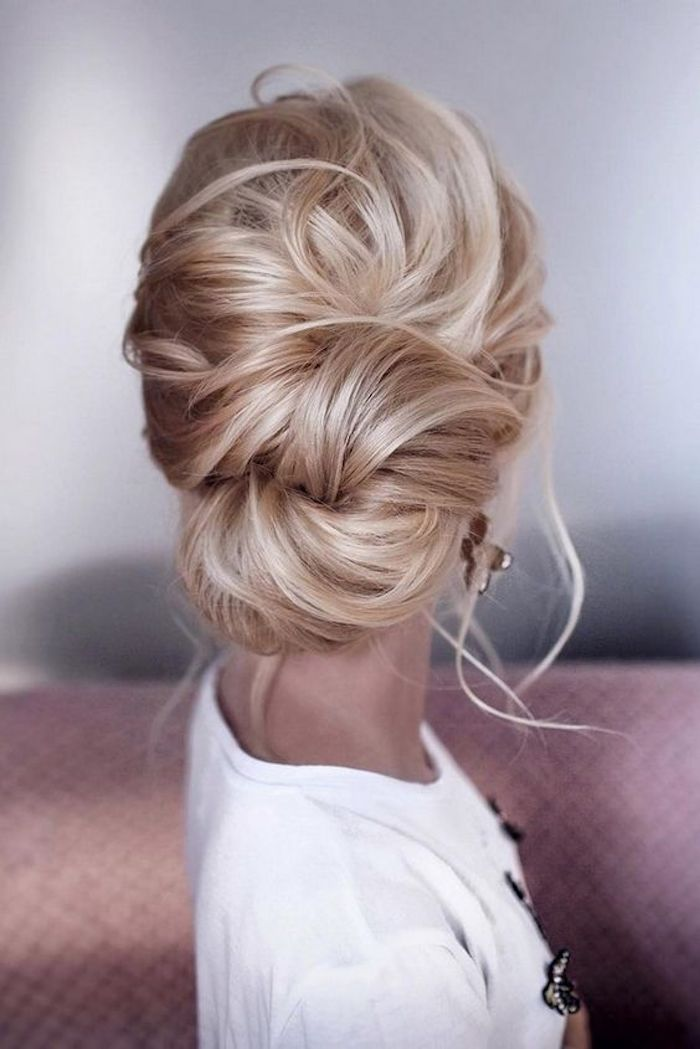 LOOSE UPDOS_Simple and stunning wedding hairstyles you'll love 9