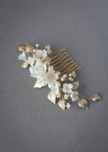 PRIMROSE bridal hair comb in pale gold 1