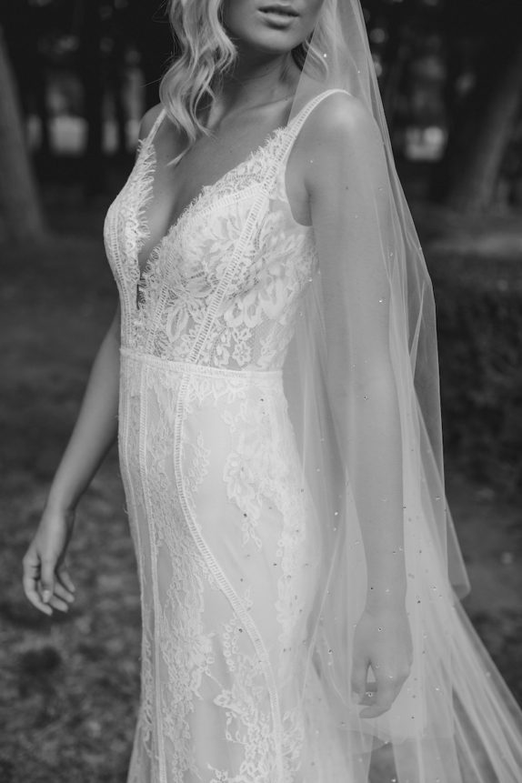 MIDNIGHT long wedding veil with crystals 17