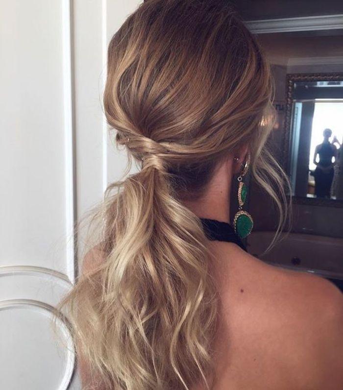 Wedding hair trends for 2019_romantic pony tails 6