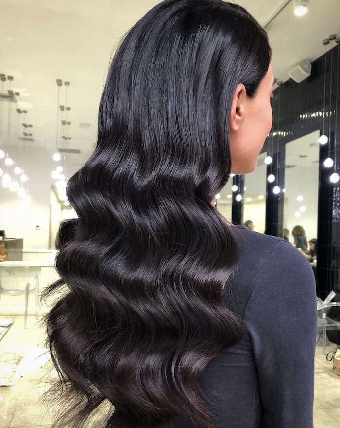 Wedding hair trends for 2019_romantic soft waves 13