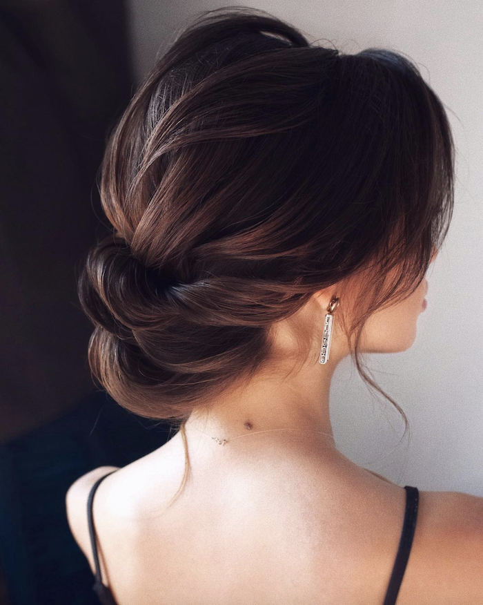 Wedding hair trends for 2019_textured twists 8