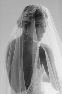 How to style a dramatic wedding veil_MORNING MIST wedding veil 1