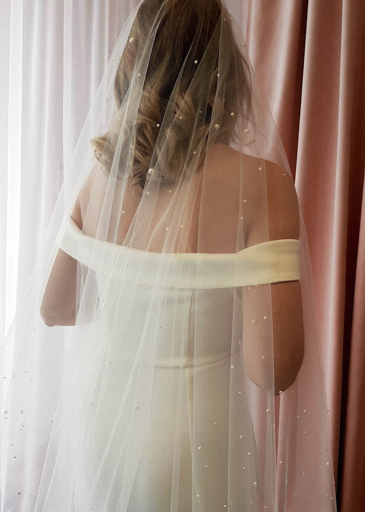 How to style a dramatic wedding veil_NADIA wedding veil