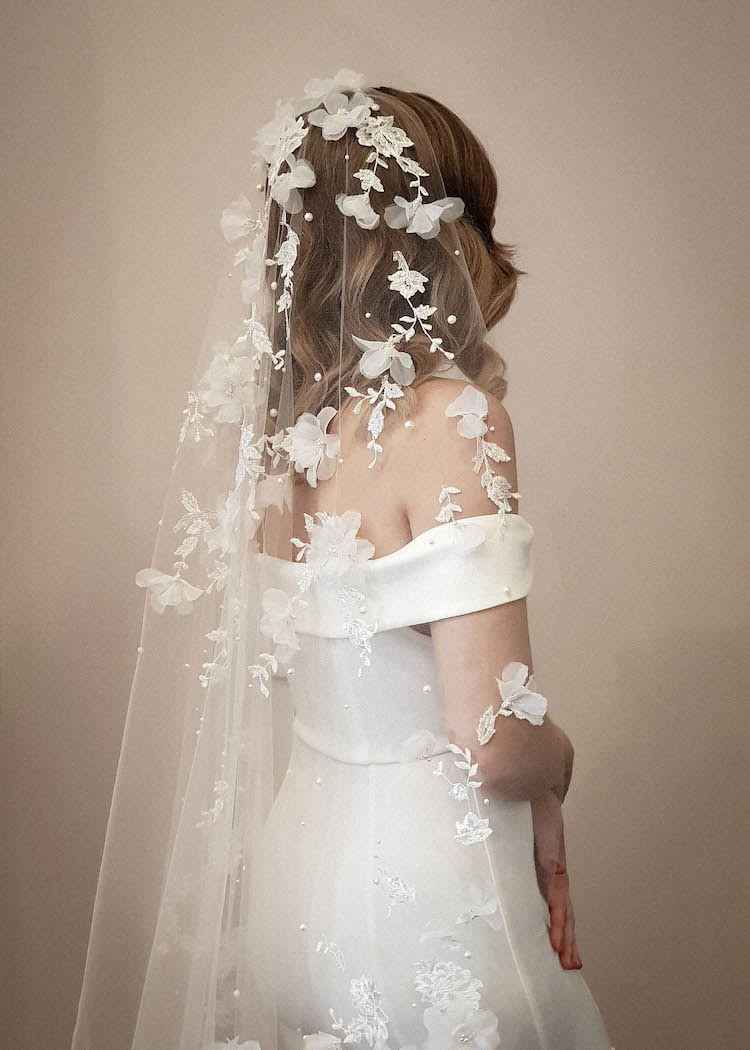 How to style a dramatic wedding veil