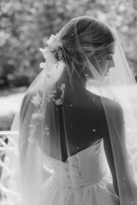 How to style a dramatic wedding veil_WEEPING CHERRY wedding veil 2