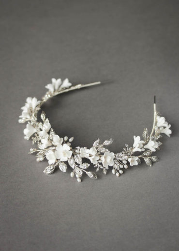BRILLIANT WHITE_crystal crown with white flowers 1