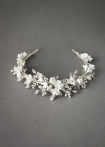 BRILLIANT WHITE_crystal crown with white flowers 4