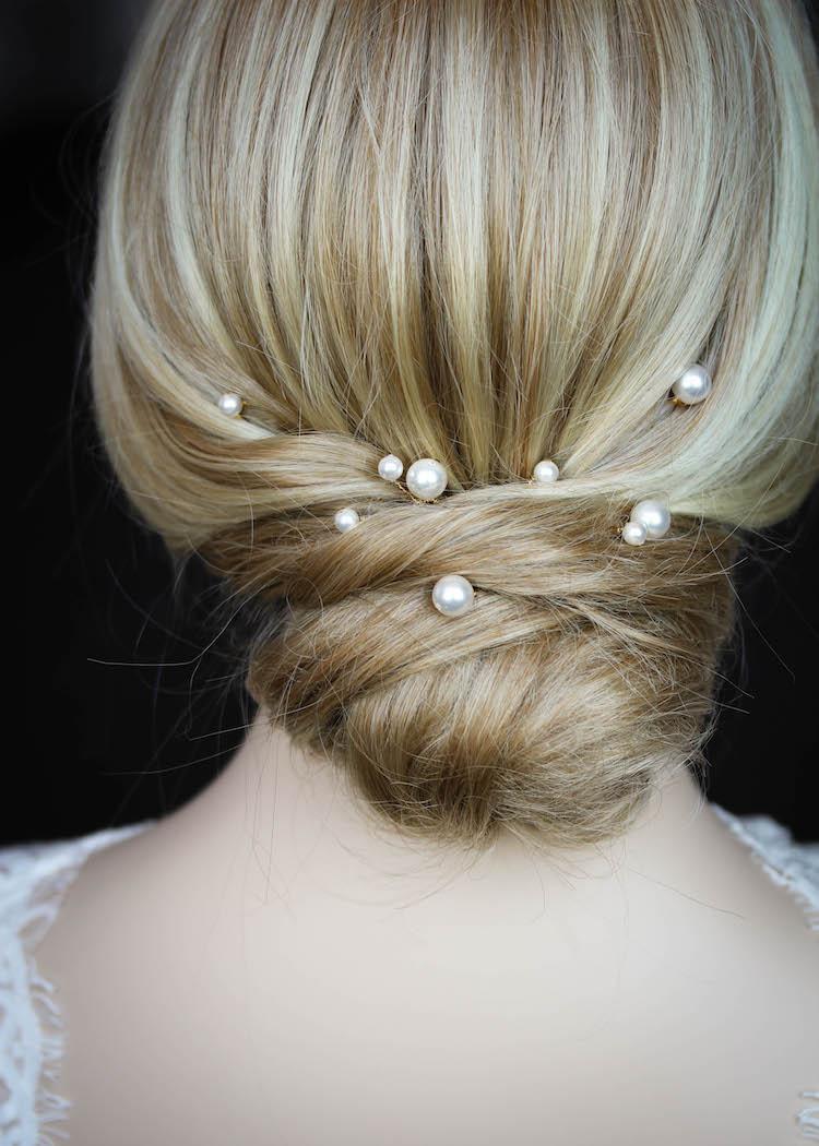 Oyster Pearl Hair Pins Tania Maras Bespoke Wedding Headpieces Wedding Veils