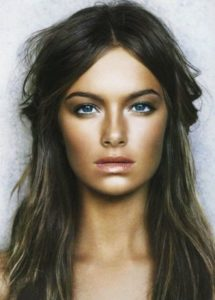 The essential guide to 2020 wedding hair_wavy hair with middle part 8