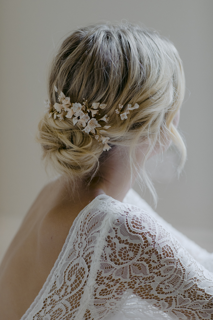 How to accessorise a lace wedding dress