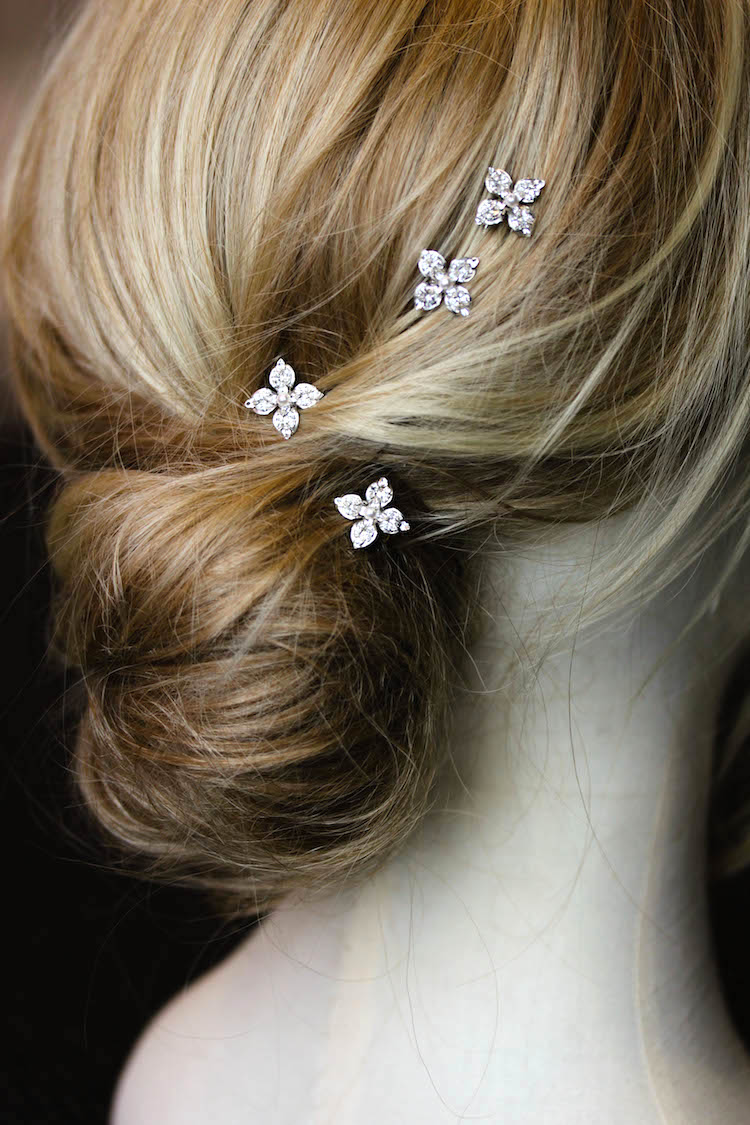 11 Celestial inspired wedding accessories_Stellar hair pins 5