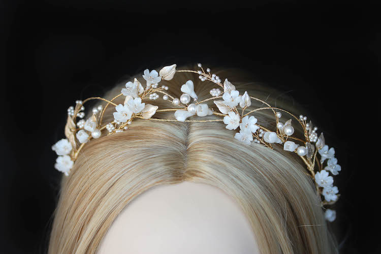 An airy and romantic floral headband for bride Megan_4