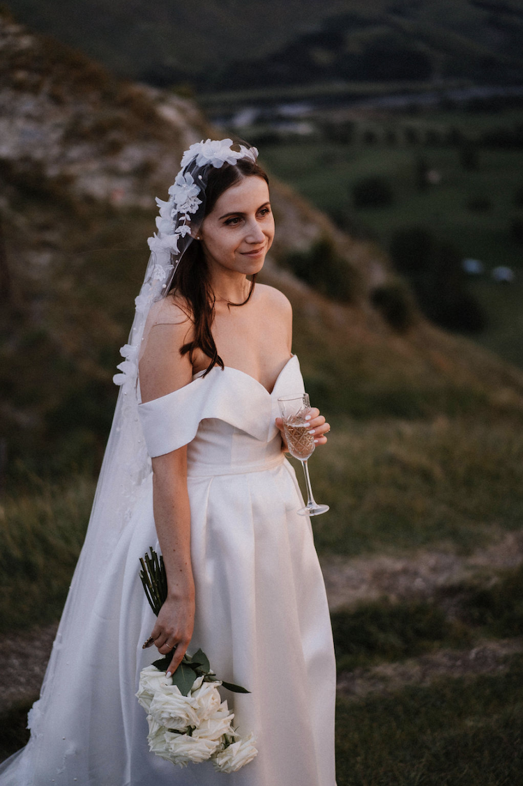 How to elope with a wedding veil