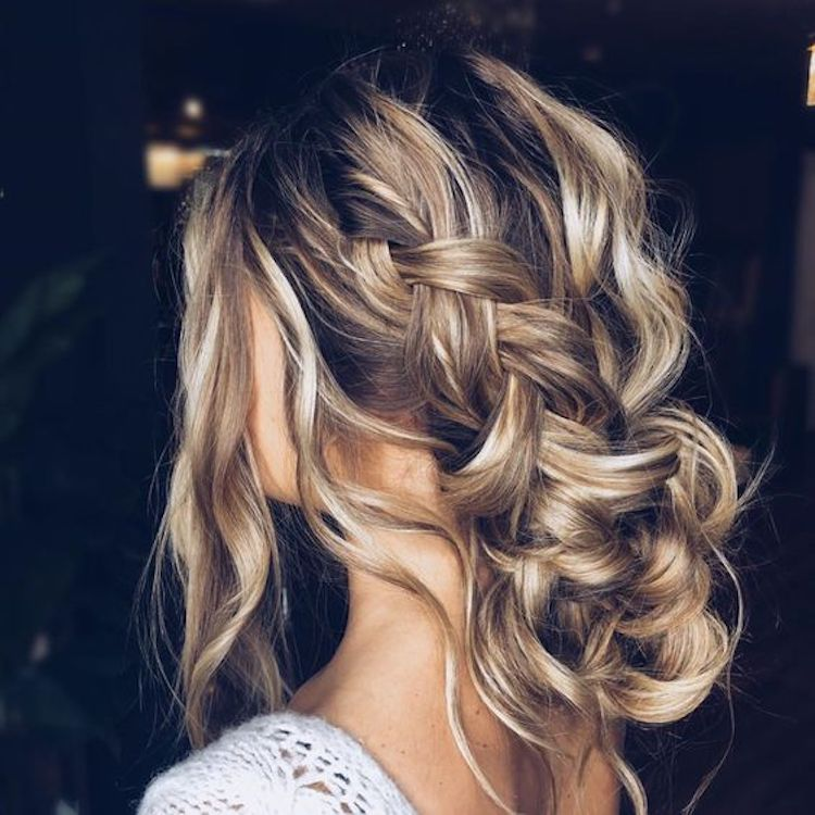 Our favourite updo hairstyles for the new season_relaxed updos 2