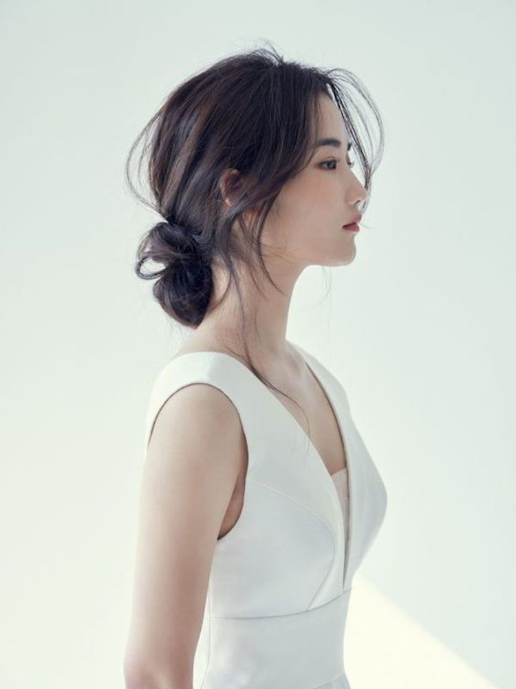 Our favourite updo hairstyles for the new season_relaxed updos 5