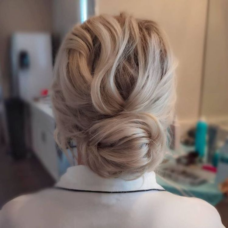 Our favourite updo hairstyles for the new season_relaxed updos 9