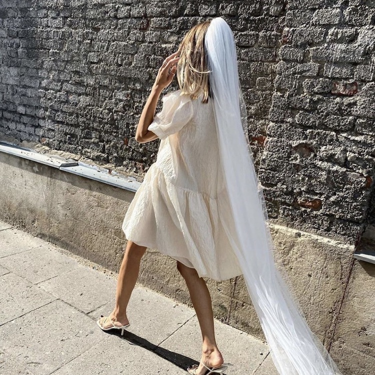 Your guide to styling a short wedding dress with a veil_21