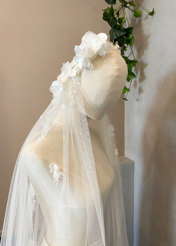 AUGUSTINE Juliet cap veil with flowers 12