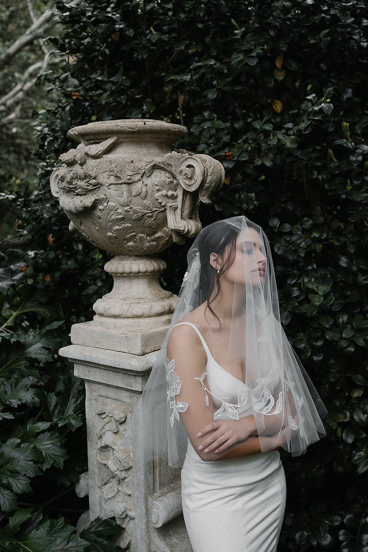 MATISSE Elbow length veil with lace 2