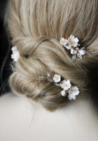 FABLES champagne floral hair pins 4