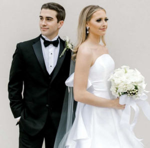 Wedding dress with bow and bridal veil 3