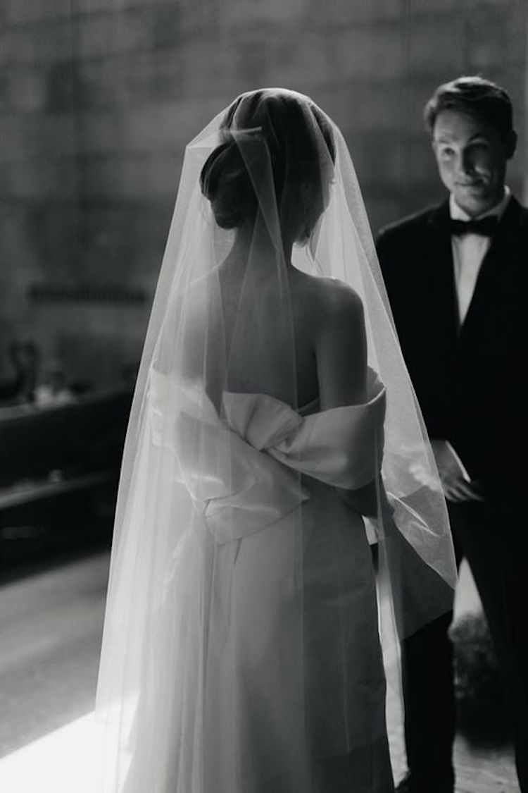 Styling tips for bow wedding dresses and a veil